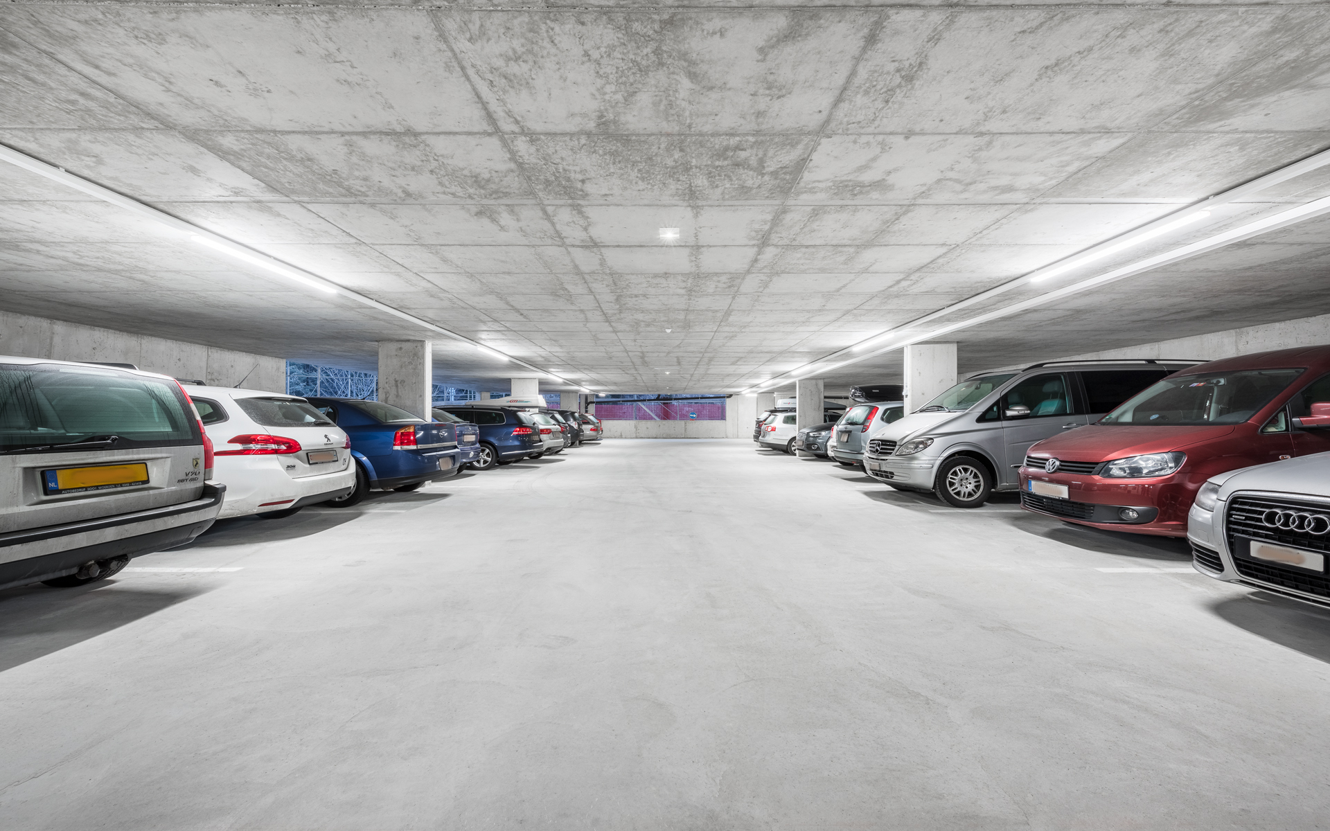 37/PARKING/Hotel-Car-park-parking-Kube-Paris.jpg